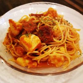 チョリソとカリフラワーのトマトパスタ